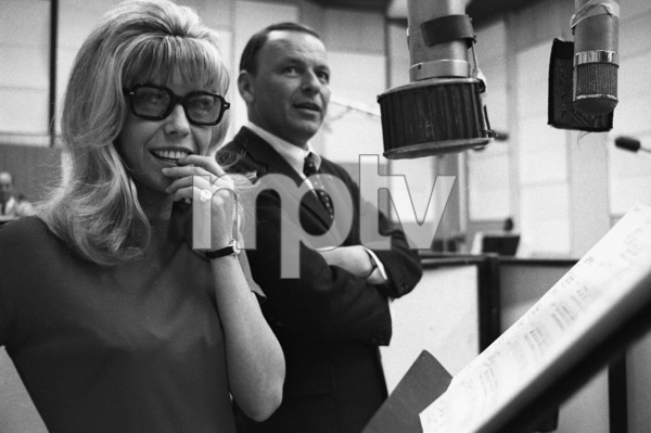 Frank Sinatra with daughter Nancy at a recording session 1967 © 1978 Ed Thrasher - Image 0337_2079