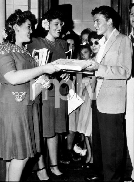 Frank Sinatra, c. 1940 - Image 0337_2255