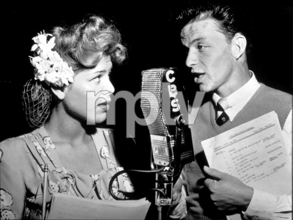 Frank  SinatraCBS Radio Show, 1944 - Image 0337_2261