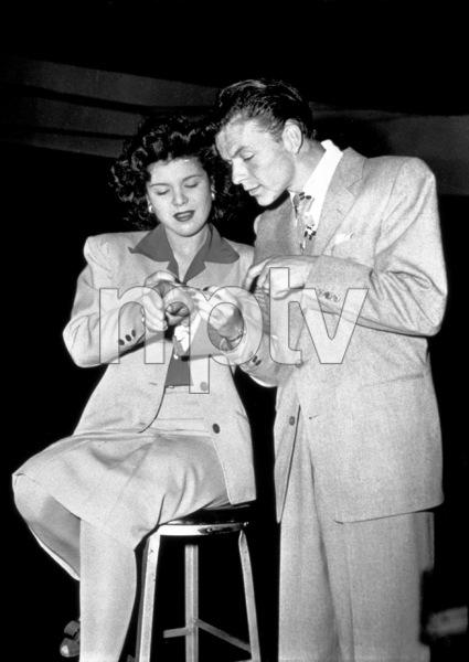 Frank Sinatra, c. 1944 - Image 0337_2263