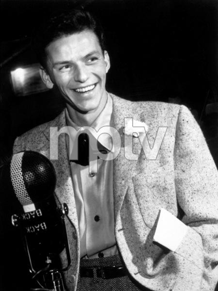 Frank Sinatra, c. 1943 - Image 0337_2277