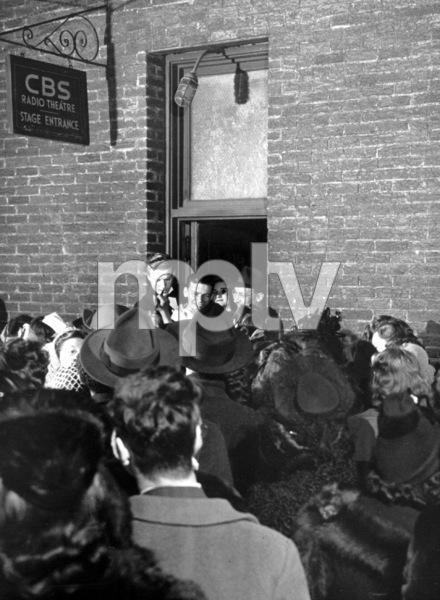 Frank Sinatra, c. 1945 - Image 0337_2286