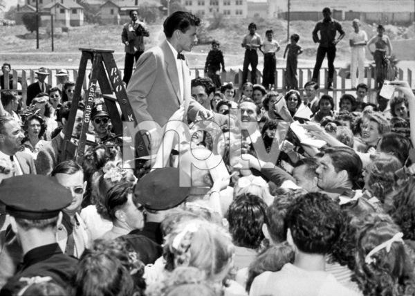 Frank Sinatra,with fans at Pasadena Rail Stationc. 1943 - Image 0337_2299