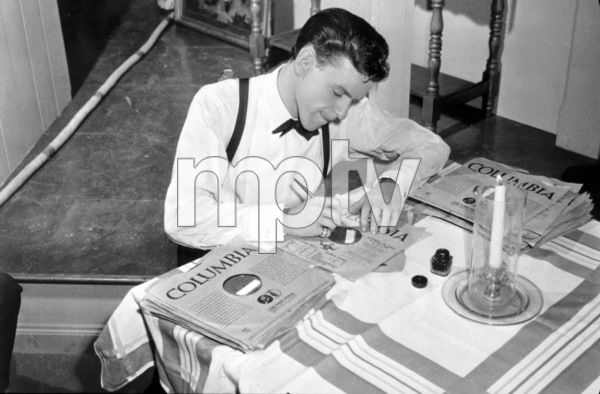 Frank Sinatra, c. 1943 - Image 0337_2312