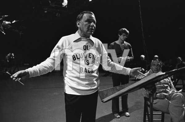"Frank Sinatra rehearsing for the television special ""Ol"