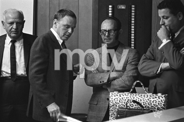 Frank Sinatra with Mo Ostin during recording session 1967 © 1978 Ed Thrasher - Image 0337_2649