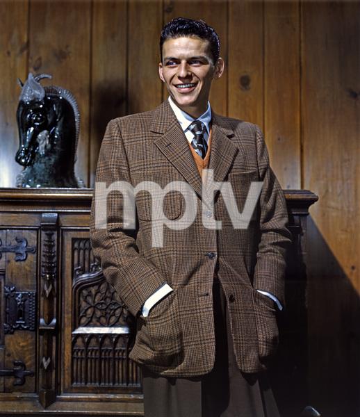 Frank Sinatra circa 1940s ** I.V. - Image 0337_2748