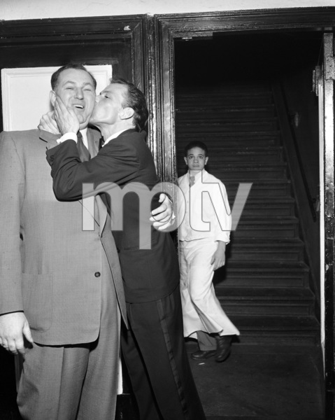 Frank Sinatra and Jack Entrattercirca 1947© 1978 Barry Kramer - Image 0337_2832