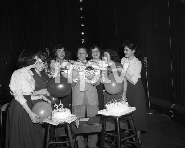 Frank Sinatra on his 32nd birthday1947© 1978 Barry Kramer - Image 0337_2845
