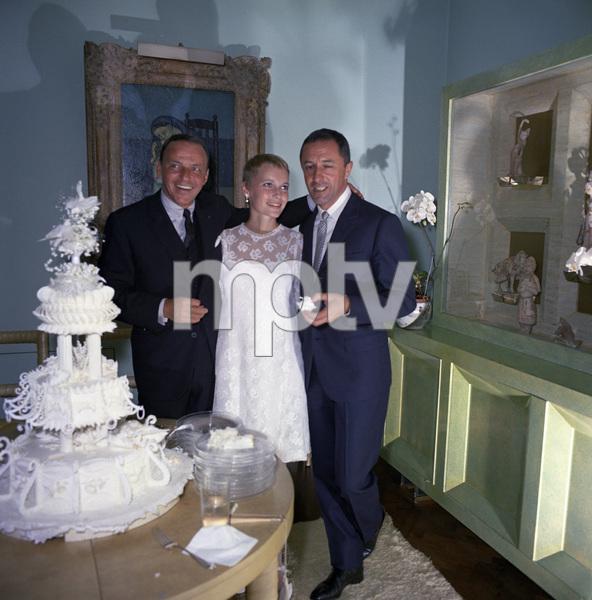 Mia Farrow on her wedding day to Frank Sinatra with Leonard Gershe1966 © 1978 Ted Allan - Image 0337_2901