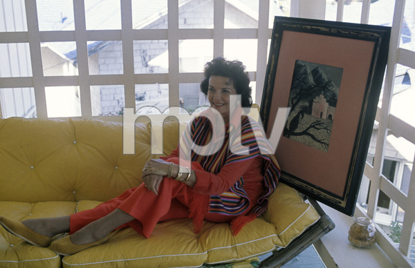 Jane Russell at home circa 1960s © 1978 Gunther  - Image 0569_0453