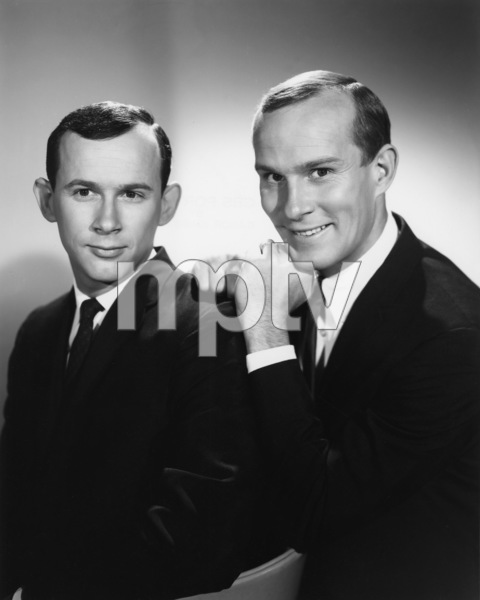 """""""The Smothers Brothers Show""""Tom Smothers, Dick Smotherscirca 1965Photo by Gabi Rona - Image 0572_0133"""