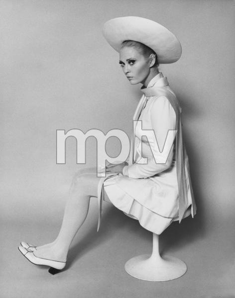 "Faye Dunaway""The Thomas Crown Affair""1968 United Artists - Image 0601_0210"