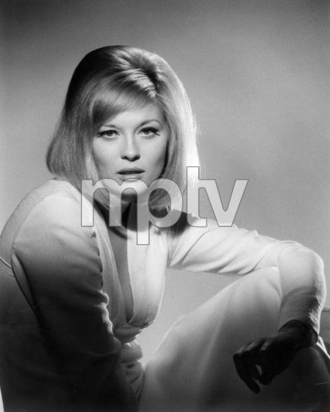 Faye Dunaway1967*J.S.C.* - Image 0601_0224