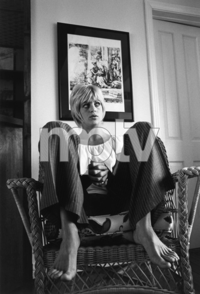 Goldie Hawn at home1969© 1978 Gunther - Image 0616_0057