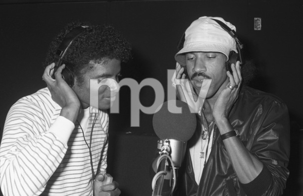 Michael Jackson and Lionel Richie composing and recording at Lion Share Recording Studios in Los Angeles1981 © 2009 Bobby Holland - Image 0628_0076