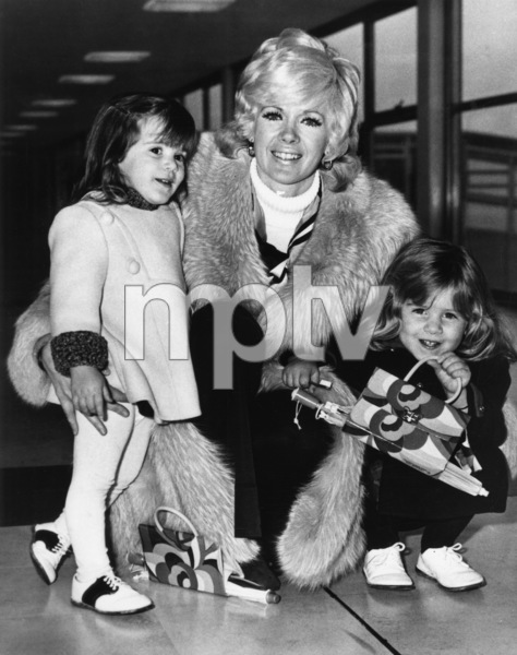 Connie Stevens with her daughters Tricia and Joely at the London Airport1971 - Image 0658_0104