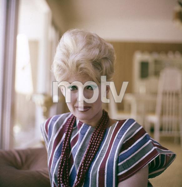 Connie Stevensat home 1972 © 1978 David Sutton - Image 0658_0122