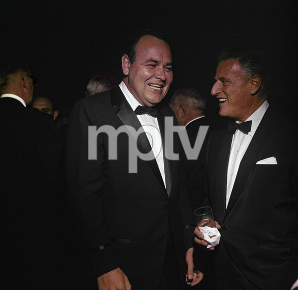 """Jonathan Winters and Stanley Kramer at the premiere of """"It"""