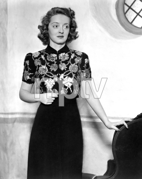 "Bette Davis, 1939.Publicity shot fo ""Dark Victory""Photo by Scotty Welbourne. - Image 0701_0364"