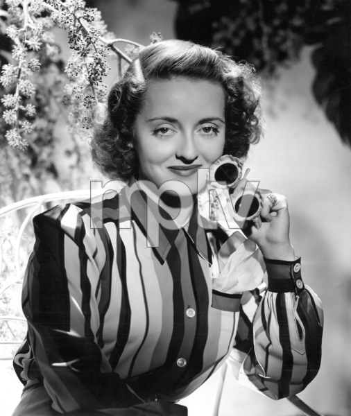 Bette Davis, 1940.Photo by George Hurrell - Image 0701_0809