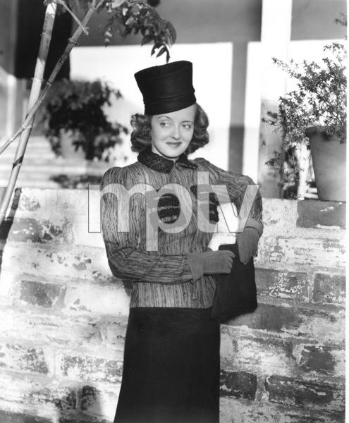 Bette Davis, c. 1939. - Image 0701_1002