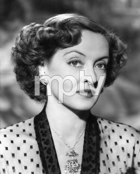 "Bette Davis Photo for ""June Bride,"" 1948. - Image 0701_1253"