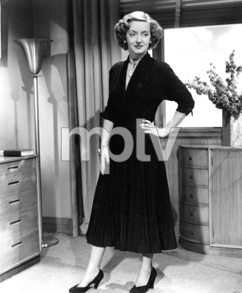 "Bette Davis in ""June Bride,"" 1948. - Image 0701_1352"