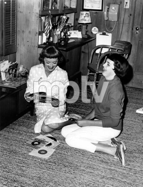 Bette Davis with daughter Margotat home in Bel Air, 1964.**I.V. - Image 0701_2218