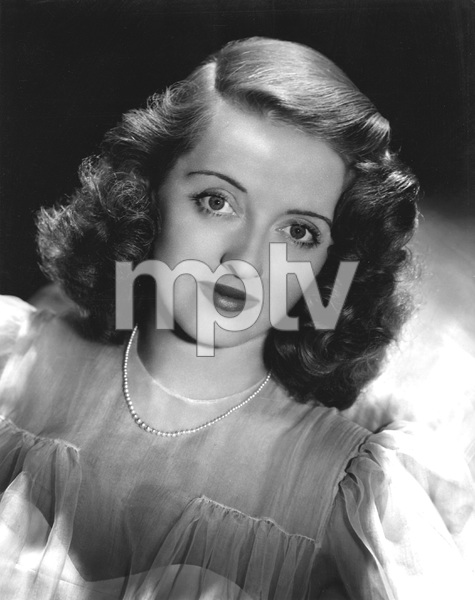 Bette Davis, Photo by Hurrell,  WB, early 40