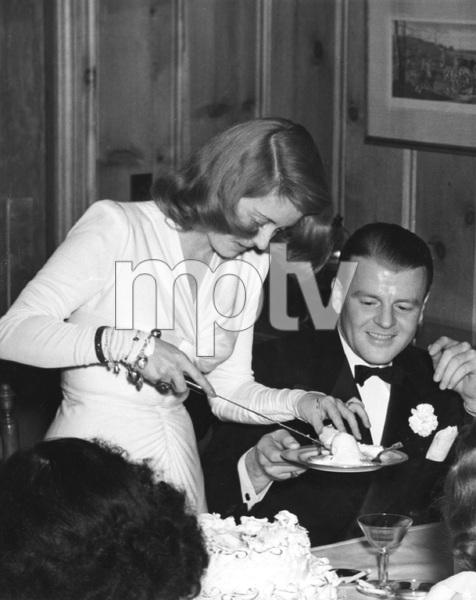 Bette Davis with husband Arthur Farnsworth at annual Warner Club dinner, 1941, I.V. - Image 0701_2240