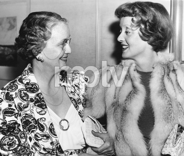 Bette Davis with her mother , Photo by Bert Longworth, WB, 1940