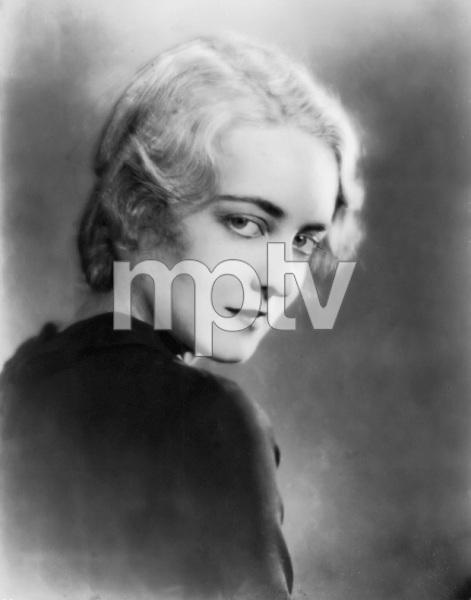 """Bette Davis portrait for her stage play """"BROKEN DISHES"""", 1929, I.V. - Image 0701_2253"""