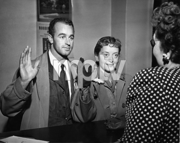 Bette Davis and William Grant Sherry get marriage license1945** I.V. - Image 0701_2258
