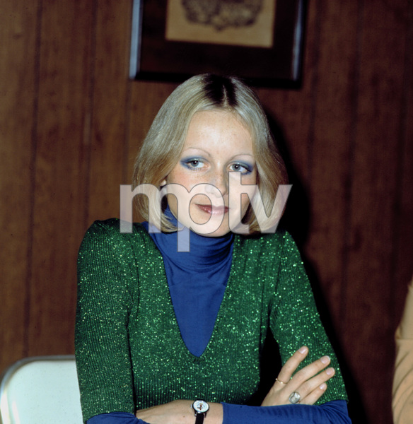 Twiggy at a Foreign Press Conference, c. 1971 © 1978 Chester Maydole - Image 0710_0054