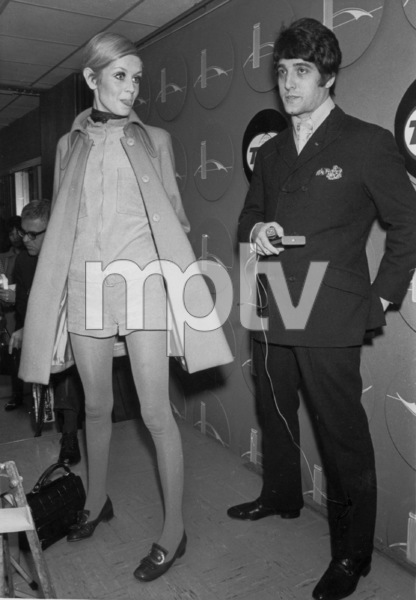 Twiggy and Justin de VilleneuveIn New York 1967 - Image 0710_0061