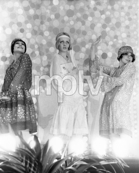 """Twiggy during filming of """"The Boy Friend""""1971** I.V. - Image 0710_0067"""
