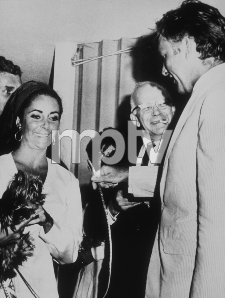 Elizabeth Taylor and Richard BurtonC. 1967**R.C.MPTV - Image 0712_0114