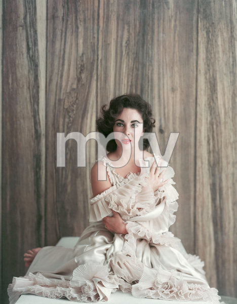 Elizabeth TaylorOctober 15, 1956 © 2001 Mark Shaw - Image 0712_5034