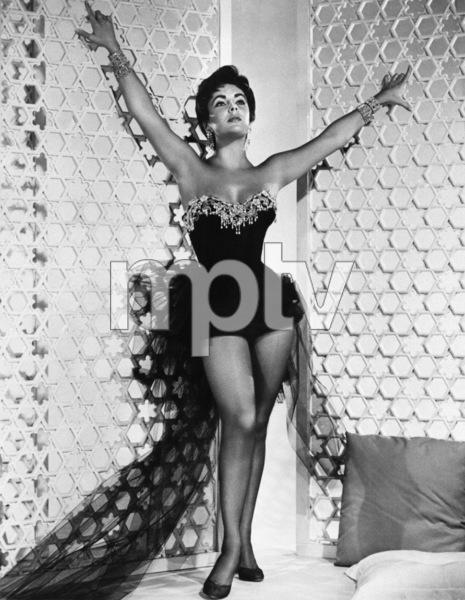Elizabeth Taylorcirca 1950s - Image 0712_5296