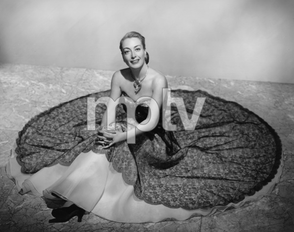 Joan Crawford1949Photo by Bert Six - Image 0728_2048