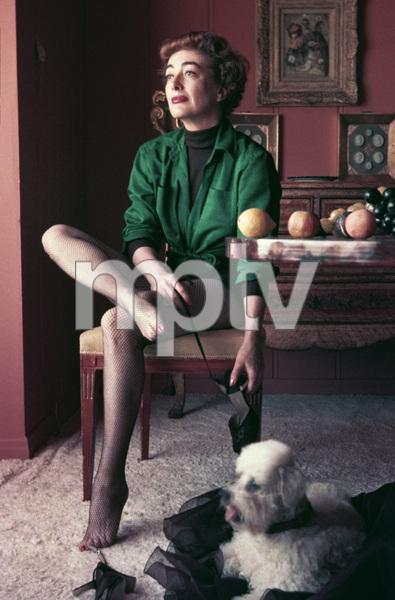 Joan Crawford in a Woodbury Cold Cream advertisementcirca 1950 © 1978 Paul Hesse - Image 0728_2150