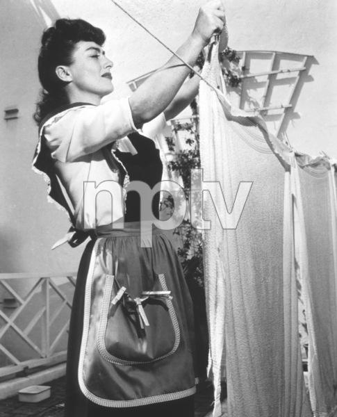 Joan CrawfordAt homeCirca 1945 - Image 0728_2206