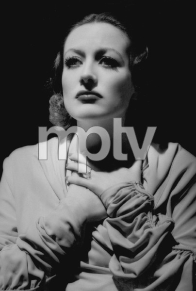 Joan CrawfordMGMLetty Lynton (1932)Photo by George Hurrell0023132 - Image 0728_8288