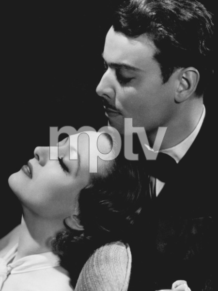 Joan Crawford, Nils AstherMGMLetty Lynton (1932)Photo by George Hurrell0023132 - Image 0728_8290