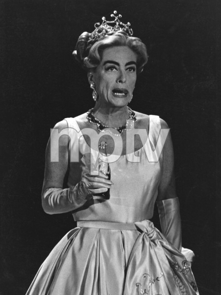 Joan Crawford with Pepsicirca 1965**I.V. - Image 0728_8329