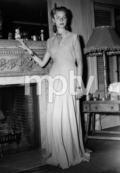Lauren BacallC. 1944 - Image 0730_0076
