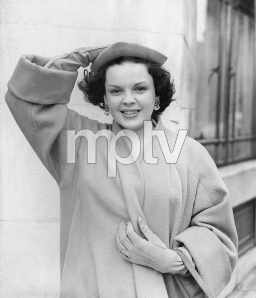 Judy Garland in London, 1951, I.V. - Image 0733_2242