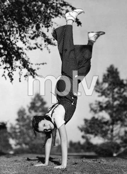 Judy Garland doing daily exercises1936** I.V. - Image 0733_2273