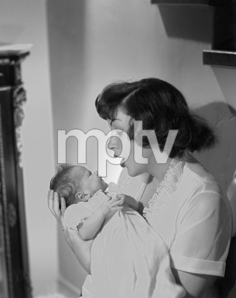 Judy Garland with her daughter, Lorna Luft1953 © 1978 John Engstead - Image 0733_2328